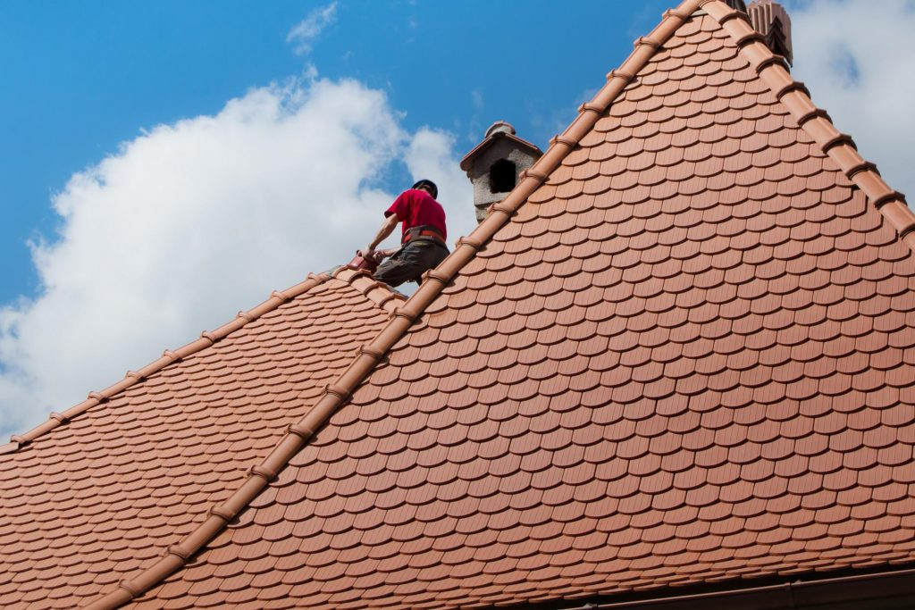 professional roofing maintenance service